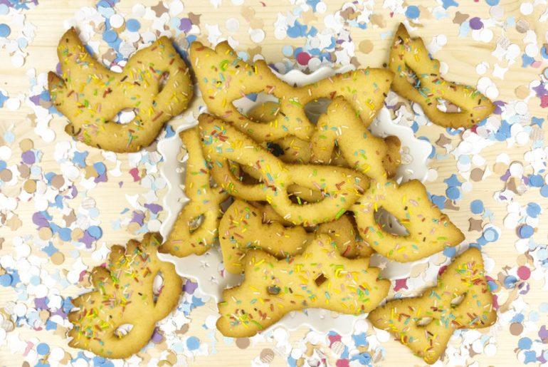 biscotti carnevale ricetta maschere