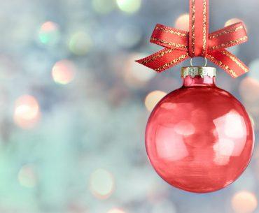 Eco-Natale: riciclare le palline di vetro e non solo