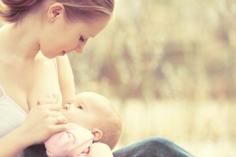 allattamento al seno all'aperto antistaminici allergia