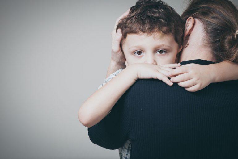 metodo holding abbraccio guarisce