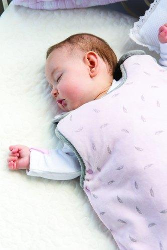 bambini-dormire-inverno-sacco