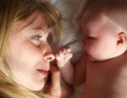 contatto-visivo-mamma-bambino