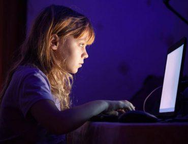 Ansia Deepressione Adoloscenti sui Social di notte