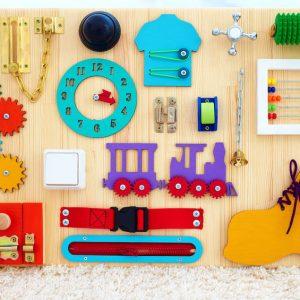 10 attività Montessori per bambini da 18 a 36 mesi