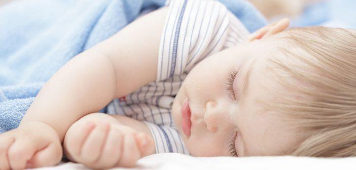 Nanna dei bambini in vacanza: come abituarli a dormire sereni