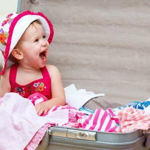 Cosa mettere nella valigia dei bambini per una vacanza al mare o in montagna
