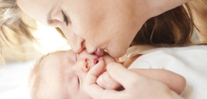 Il profumo del neonato è come una droga per la mamma!