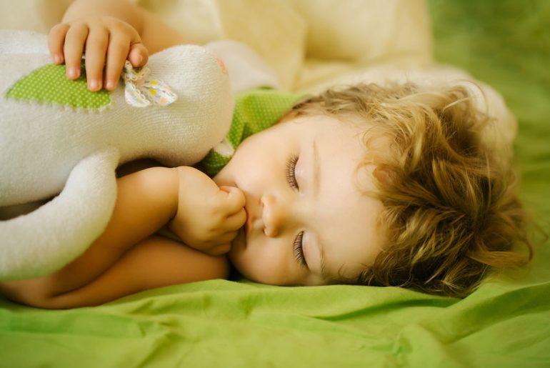 bambino non dorme colpa genitori