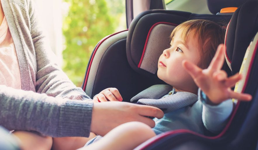 Seggiolini auto anti abbandono: il Senato approva il disegno di legge