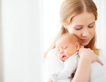 abbraccio mamma figlio sviluppa cervello