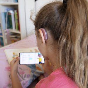 Un'app per avvicinare i bambini non udenti alla lettura: StorySign di Hauwei